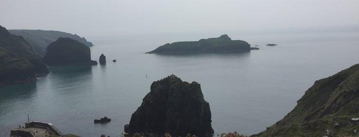 Mullion Cove is one of Tupshole.