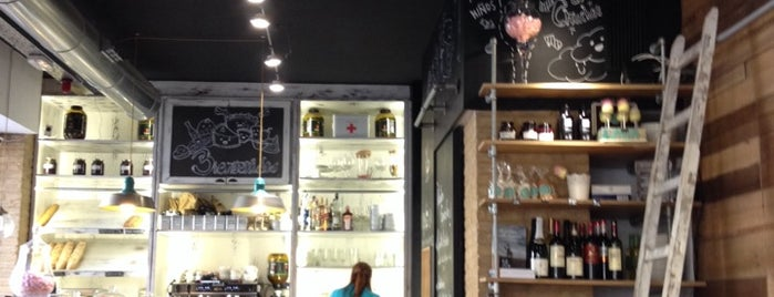 La Petite Brioche Bakery is one of VA\LEN\CIA.