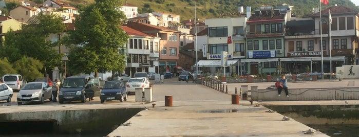 Tirilye İskele is one of trilye mekanları.