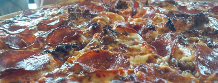 Jolly Pumpkin Pizzeria and Brewery is one of Detroit Lunch Bus.