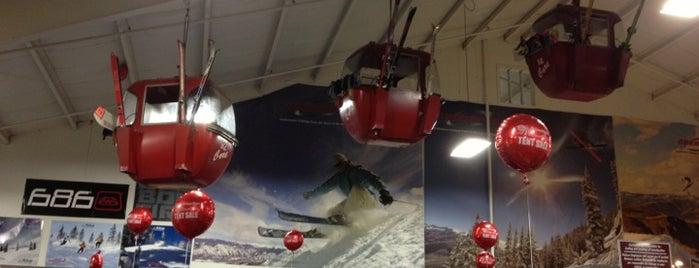 Pelican Ski, Pool & Patio is one of SNOWBOARD SHOPS.
