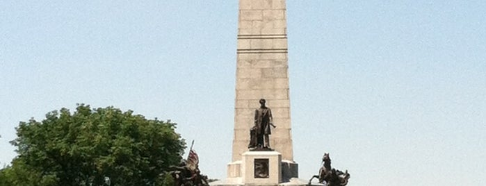 Lincoln Tomb State Historic Site is one of Want to visit.