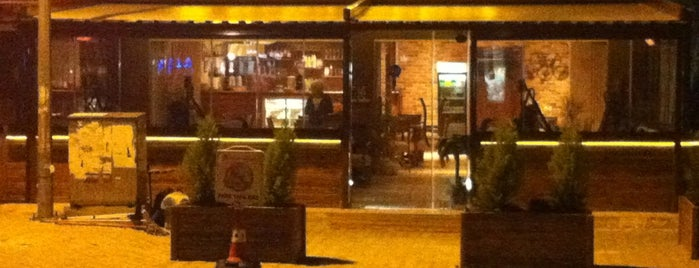 Bab-ı Sohbet Cafe is one of İzmir'de gidilecek yerler.