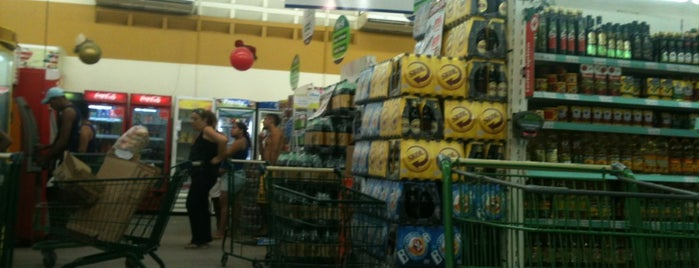 Center Box Supermercados is one of Compras.
