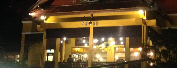 Oh Ka Jhu Organic Salad & Coffee is one of Chiang Mai.