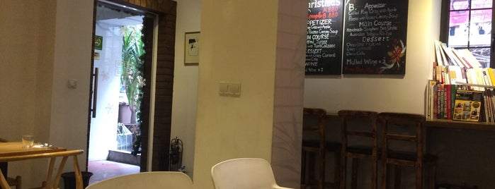 Bonne Café and Restaurant is one of Most try.
