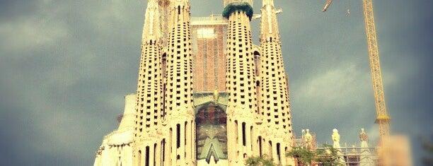 Plaza de la Sagrada Familia is one of Barcelona.