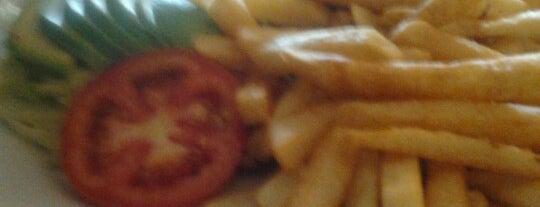 Pardos Chicken is one of Restaurantes.