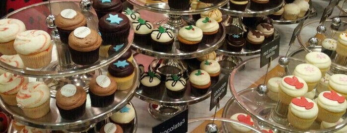 Georgetown Cupcake is one of Favoritos em New York.