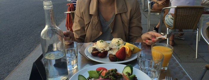 Le Cartet Resto Boutique is one of Best Terrasses in Montreal.