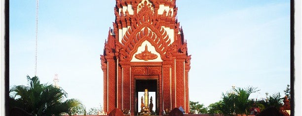 Mueang Prachuap Khiri Khan City Pillar Shrine is one of Holy Places in Thailand that I've checked in!!.