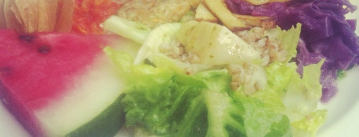 Quinoa is one of Grün und Blau Berlin.