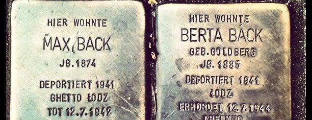 2 Stolpersteine Back is one of Stolpersteine 1933 - 1945.