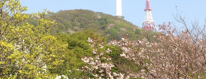Namsan is one of Seoul: Walking Tourist Hitlist.