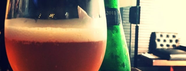 Namoranga Radio Bar is one of Restaurantes.