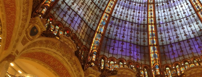 Galeries Lafayette Haussmann is one of Week-end à Paris.