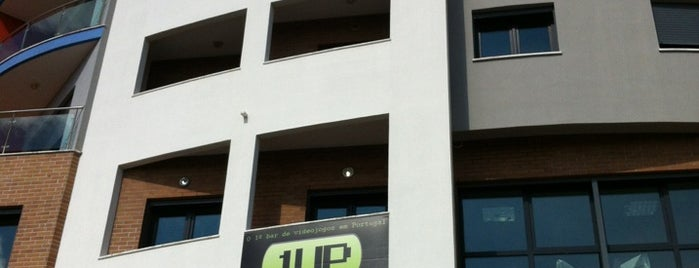 1UP Gaming Lounge is one of Sítios.