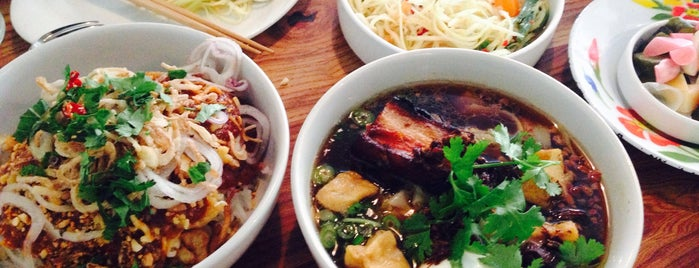 Kin Khao is one of Wes' guide to SF.