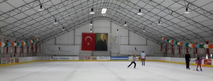 ICETANBUL (Buz Pisti) is one of Sevdigim yerler.