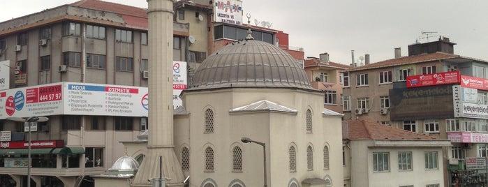 Şirinevler Meydanı is one of İstanbul'da En Çok Check-in Yapılan Mekanlar.