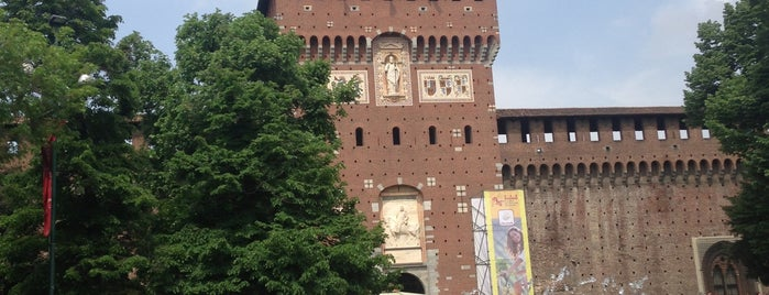 Castillo Sforzesco is one of Go Ahead, Be A Tourist.