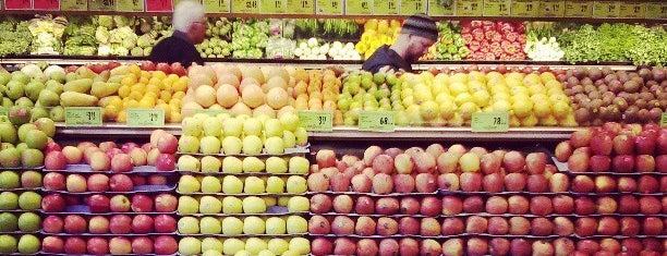 Ballard Market is one of FOOD-SHOP.