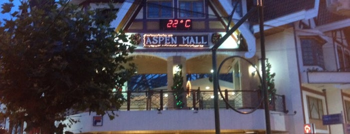 Aspen Mall is one of Passeios.