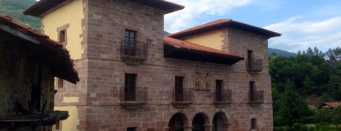 Carmona is one of Guía de Cantabria.