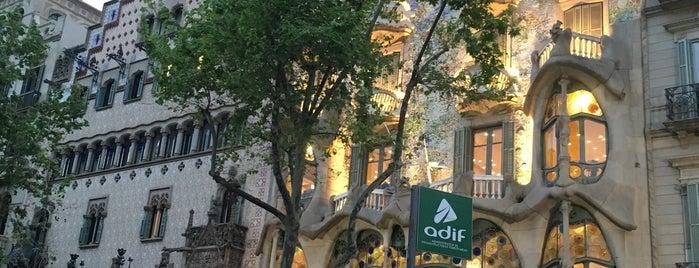 Manzana de la Discordia is one of Barcelona.