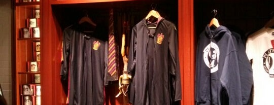 The Harry Potter Shop at Platform 9¾ is one of Harry Potter & The Mayor Of Diagon Alley.