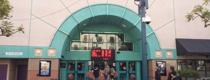 AMC Santa Monica 7 is one of David & Dana's LA BAR & EATS!.