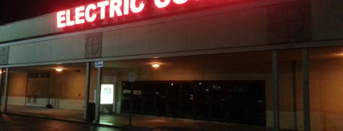 Electric Cowboy - Country and Dance Nightclub is one of This is Chattanooga.