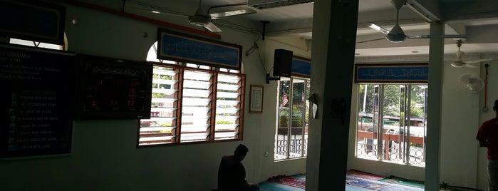 Masjid Jame' Al-Khalidiah is one of masjid.