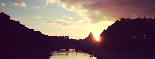 Levi's River Dock is one of ZeroGuide • Roma.
