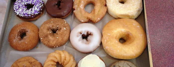 LaMar's Donuts and Coffee is one of Gotta Try Donuts!.