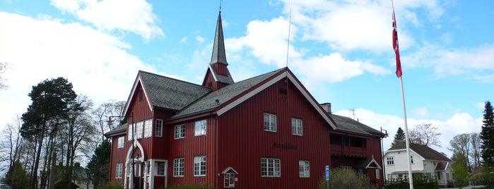 Herredshuset is one of Severdigheter på Øvre Romerike.