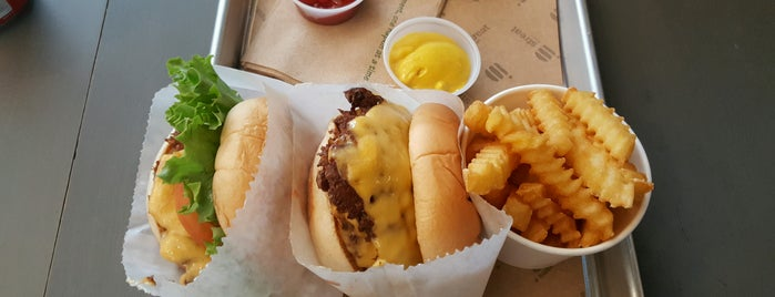 Streat Burger is one of The 15 Best Places for Burgers in Santiago.