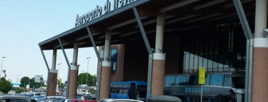 Treviso-Sant'Angelo Airport (TSF) is one of #UK.