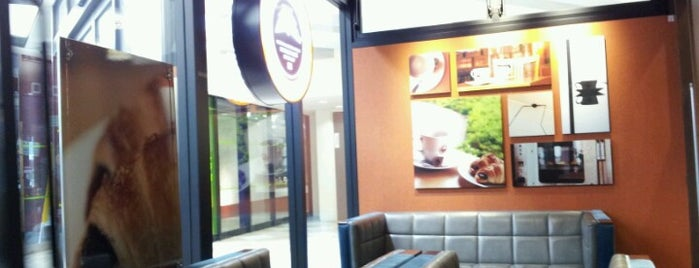 St. Marc Café is one of 札幌カフェ巡り.
