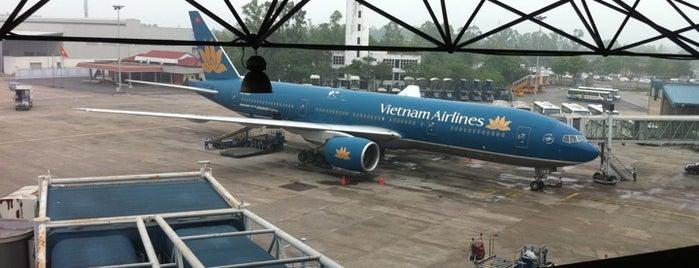 Noi Bai International Airport (HAN) is one of ăn uống Hn.
