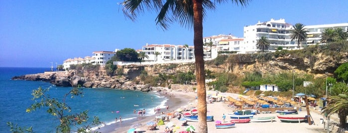 Playa El Salón is one of Nerja.
