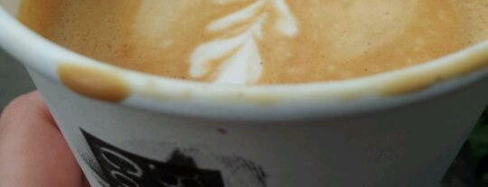 Black and White Coffee Company @ Palm 2 is one of Hackney Coffee, yeah!.