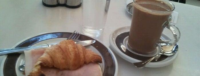 Chocolateria Valor is one of los mejores sitios para comer en Alicante.