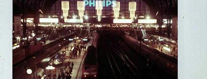 Hamburg Central Station is one of Bahnhöfe DB.