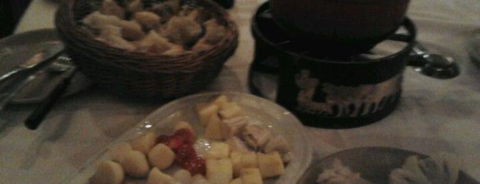 La Fondue De Tell is one of Mis Restaurantes favoritos de Madrid.