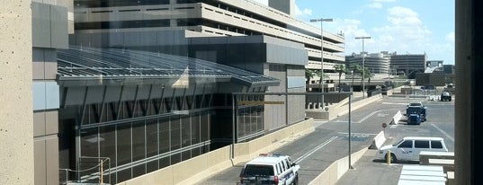 Phoenix Sky Harbor International Airport (PHX) is one of World Airports.
