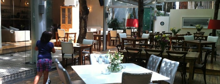 Cezayir İstanbul is one of Restaurants.