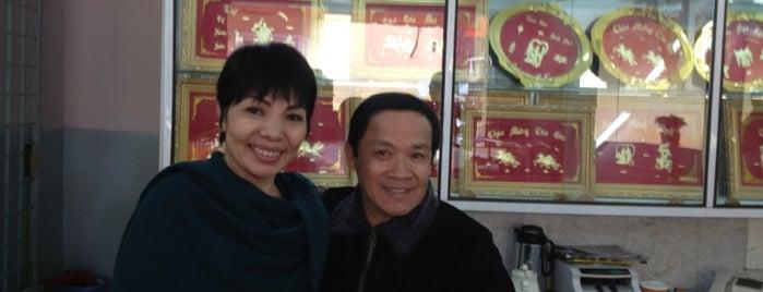 Tiem Vang QUANG is one of All-time favorites in Vietnam.