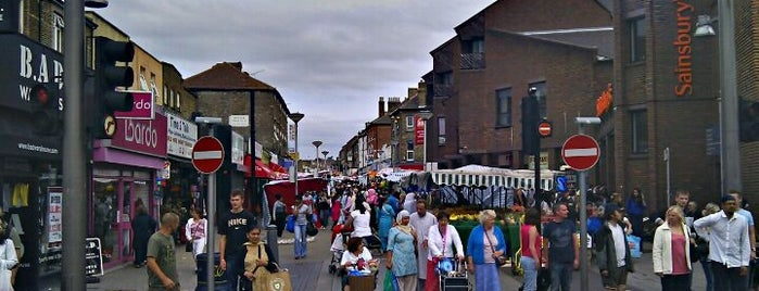 Walthamstow Farmers' Market is one of The Awesomestow List.