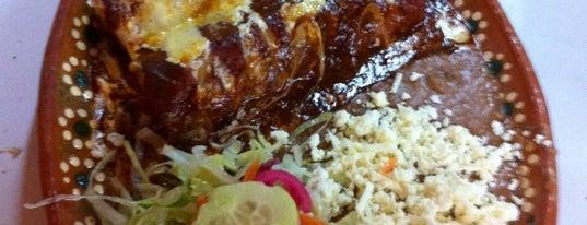 """Cenaduria """"RRR"""" is one of Lugares con buena comida."""